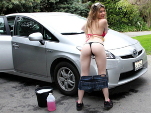 Cock Stuffs A Carwash Girl Pussy In POV