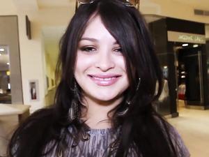 Great Car Blowjob From A Luscious Lips Latina Girl