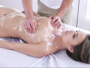 Pornstar Pumped With Cock After Her Erotic Massage