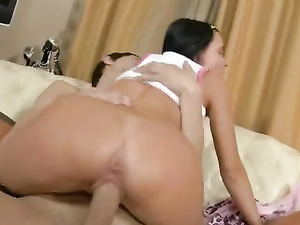 Hot Young GF Goes Crazy For His Big Cock